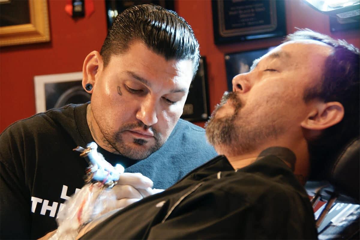 Skin Design Tattoo Doing Tattoo